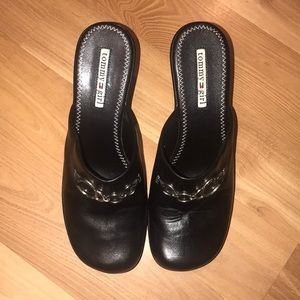 Tommy Girl mules/clogs black leather size 8